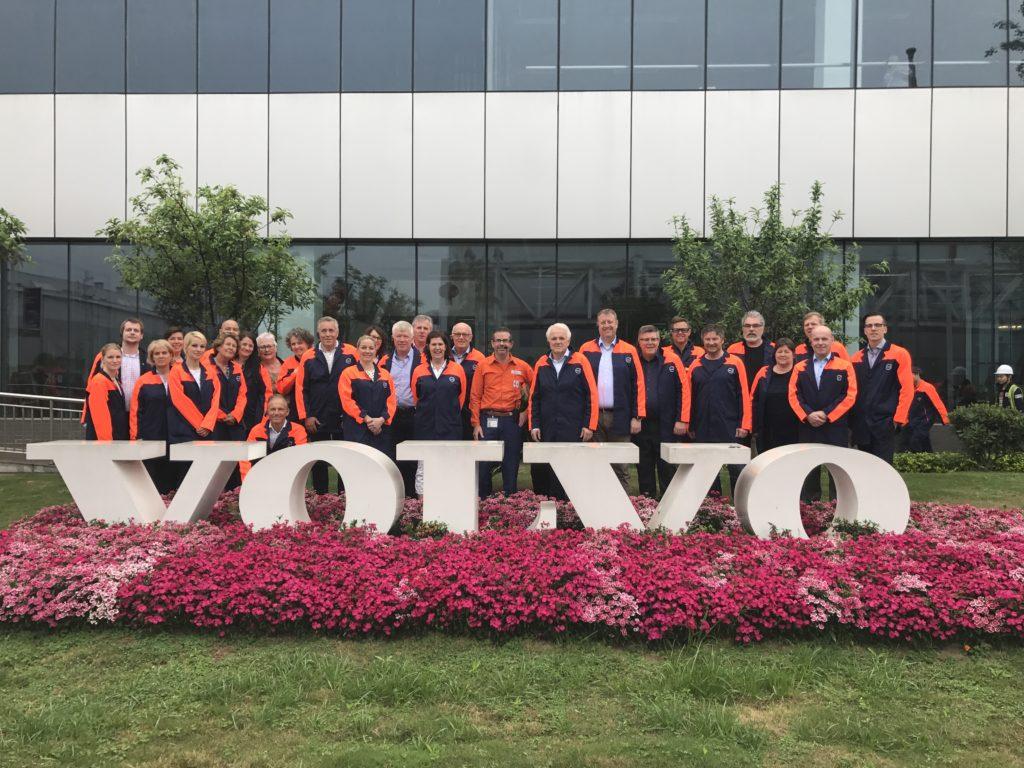 * På Volvofabrikken i Chengdu, omvisning av vår engasjerte og dedikerte fabrikksjef.